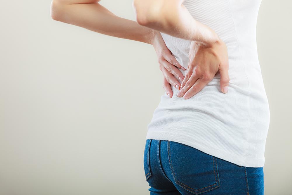 腰痛に悩む美容師さん必見! 腰痛の原因とオススメ対策法